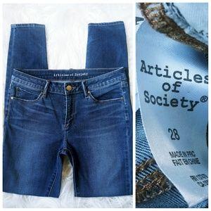 ARTICLES OF SOCIETY SIZE 28 SKINNY LEG MEDIUM WASH